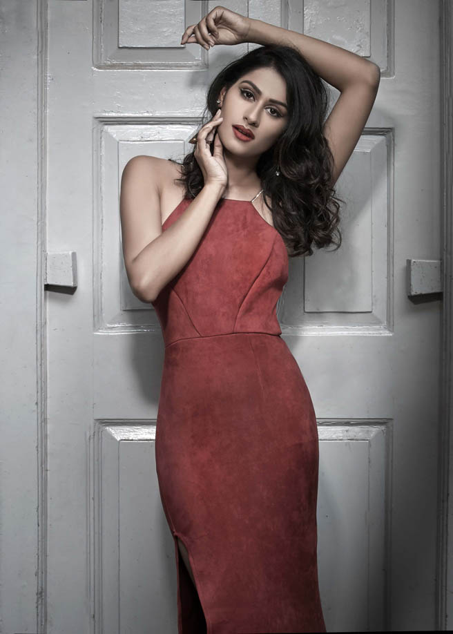 Stunning model Aarushi Gupta wearing a red dress | India Models