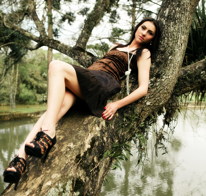 outdoor photoshoot of beautiful Brazilian fashion models Tatiane Ribeiro | India Models